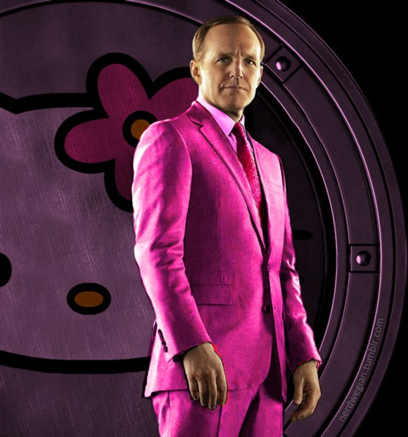 Agent Coulson lebih mirip the Pink Panther :D