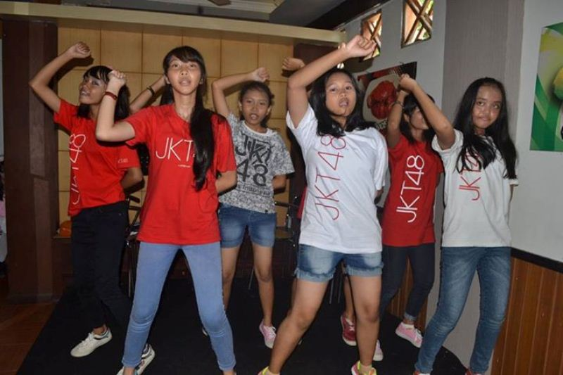 Perform Wotagei