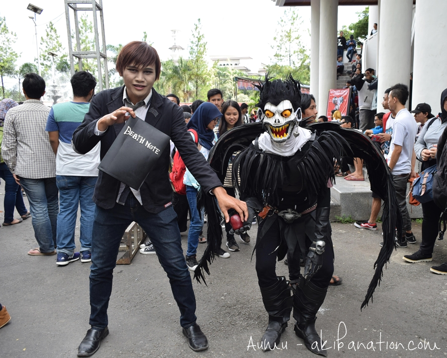 Hati-Hati! Ada Light Yagami bawa Death Note-nya!