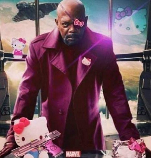 Nick Fury lah fans berat Hello Kitty